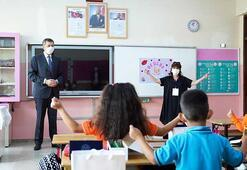 Bakan Selçuktan okullara ziyaret