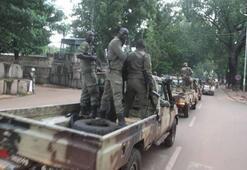 Malide geçiş sürecinin cumhurbaşkanı asker oldu