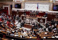 Fransada başörtüsü karşıtı milletvekiline sert tepki