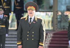 Lukaşenko sessiz sedasız yemin etti