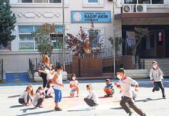 Bağcılar'daki okullarda temassız oyun alanları