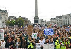 İngilterede karantina karşıtları sokaklarda