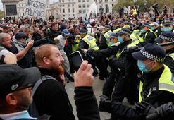İngilterede karantina protestosuna polis müdahalesi