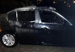 Bodrumda park halindeki otomobilde yangın