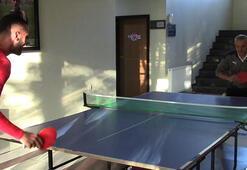 Rıza Çalımbay ile Uğur Çiftçi masa tenisi oynadı...