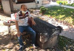 Yanına masa ve sandalye koyularak oturulan 2 bin yıllık lahit müzeye kaldırıldı