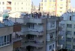Apartman çatısında şok görüntü