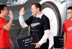 Tesla'ya şirket içinden şok