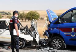 Jandarma aracı ile otomobil çarpıştı: 3ü jandarma, 5 yaralı
