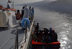 Kuşadasında Türk karasularına itilen 13 sığınmacı kurtarıldı