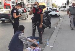 Epilepsi hastası yolda nöbet geçirdi Yardımına polisler koştu