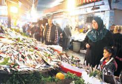 İzmir'de balık bereketi
