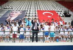 Bakan Kasapoğlu, Güngörendeki spor tesislerini inceledi