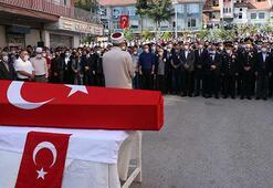 Şehit Astsubay Kıdemli Çavuş Emre Dokumacının cenazesi toprağa verildi