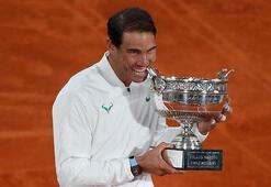 Rafael Nadal, Roger Federer'i yakaladı