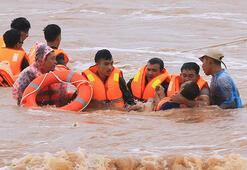 Vietnamdaki sellerde ölü sayısı 20ye çıktı