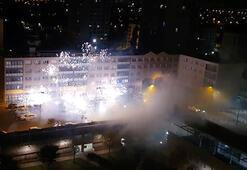 Son dakika...Fransada polis karakoluna 40 kişi havai fişeklerle saldırdı