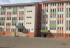Öğretmen ve öğrencide koronavirüs çıktı, 30 öğrenci karantinada