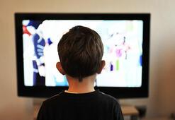 Çocuklar hangi yaşta ne kadar televizyon seyretmeli