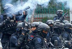 Endonezya'da hükümet gösterilere direniyor