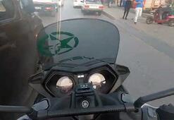 Minibüs sürücüsü motosikletliye böyle çarptı