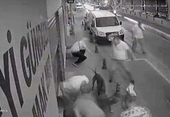 Kadıköyde taksicilerle köpekli genç kavga etti