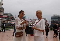 İstanbulda maske takmayan turistler uyarıldı Adım attırılmadı...