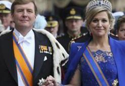 Hollandada kral ve kraliçenin tatile çıkması kriz yarattı