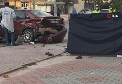 Otomobilin çarptığı baba-oğul hayatını kaybetti, anne yaralandı