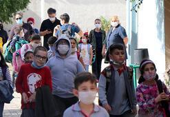 Profesörden maske uyarısı: Çocuklara renkli maske almayın