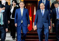 Japonya Başbakanı Suga ilk yurt dışı ziyareti kapsamında Vietnamda