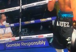 Tartışmalı boks maçına bahis damgası Elinde telefon...