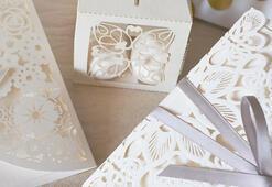 2020 Düğün Davetiyesi Sözleri - Davetiyelerinizde Kullanabileceğiniz Kısa Yazı Örnekleri