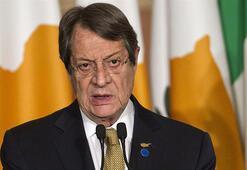 Rum lideri Anastasiadis, KKTCnin yeni Cumhurbaşkanı Tatarı tebrik etti