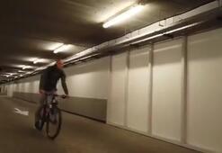 Arjen Robbenden görülmemiş hareket Maça bisikletle geldi...