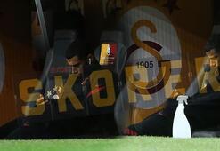 Galatasarayda Belhandanın görüntüsü dikkat çekti Telefonuyla...