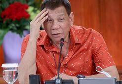 Duterte, yargısız infazlardan sorumlu tutulabileceğini söyledi