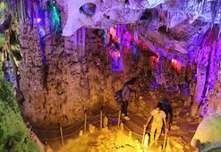 Saçı dökülenlerin şifa aradığı yer; Keloğlan Mağarası