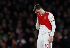 Mesut Özil, Arsenalın Premier Lig kadrosunda yer almamanın üzüntüsünü yaşıyor