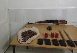 Hakkaride terör örgütüne ait silah ve mühimmat ele geçirildi