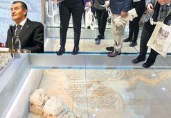 Tesadüfen bulunan mozaikler tanıtıldı