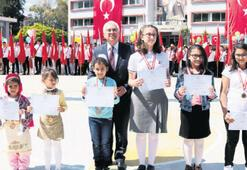 Çocuklar Atatürk'e  sevgisini anlatacak
