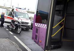 Avcılar'da durağa yanaşan İETT otobüsüne alkollü motosiklet sürücüsü çarptı