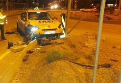 Ticari taksiyle motosiklet çarpıştı: 1 ölü, 3 yaralı