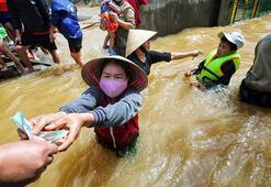 Vietnamda aşırı yağışların yol açtığı afetlerde ölenlerin sayısı 130a çıktı