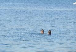 Denizin tadını çıkardılar Fotoğraflar bugün çekildi