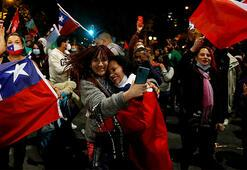 Referandumda ağır fark: Şili anayasanın yeniden yazılmasını istiyor