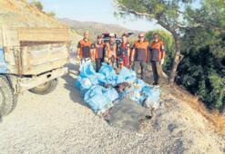 Seyir tepesinden 20 torba çöp çıktı