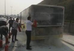Sefaköy D-100de otobüste yangını