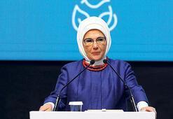 Emine Erdoğan'dan atık maske uyarısı: Biyolojik tehlike oluşturuyor